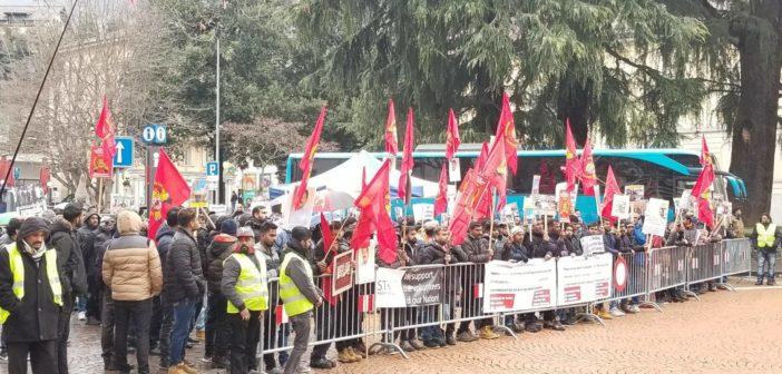 Manifestation et soutien du peuple tamoul à l'égard de leurs représentants à l'ouverture du procès